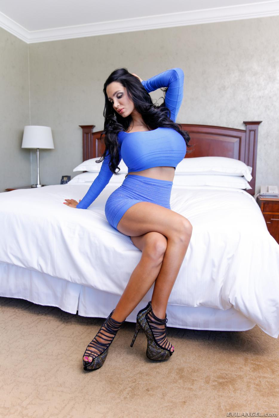 Amy Anderssen Porn Videos amy anderssen porn gallery. lusty latina babe with enormous