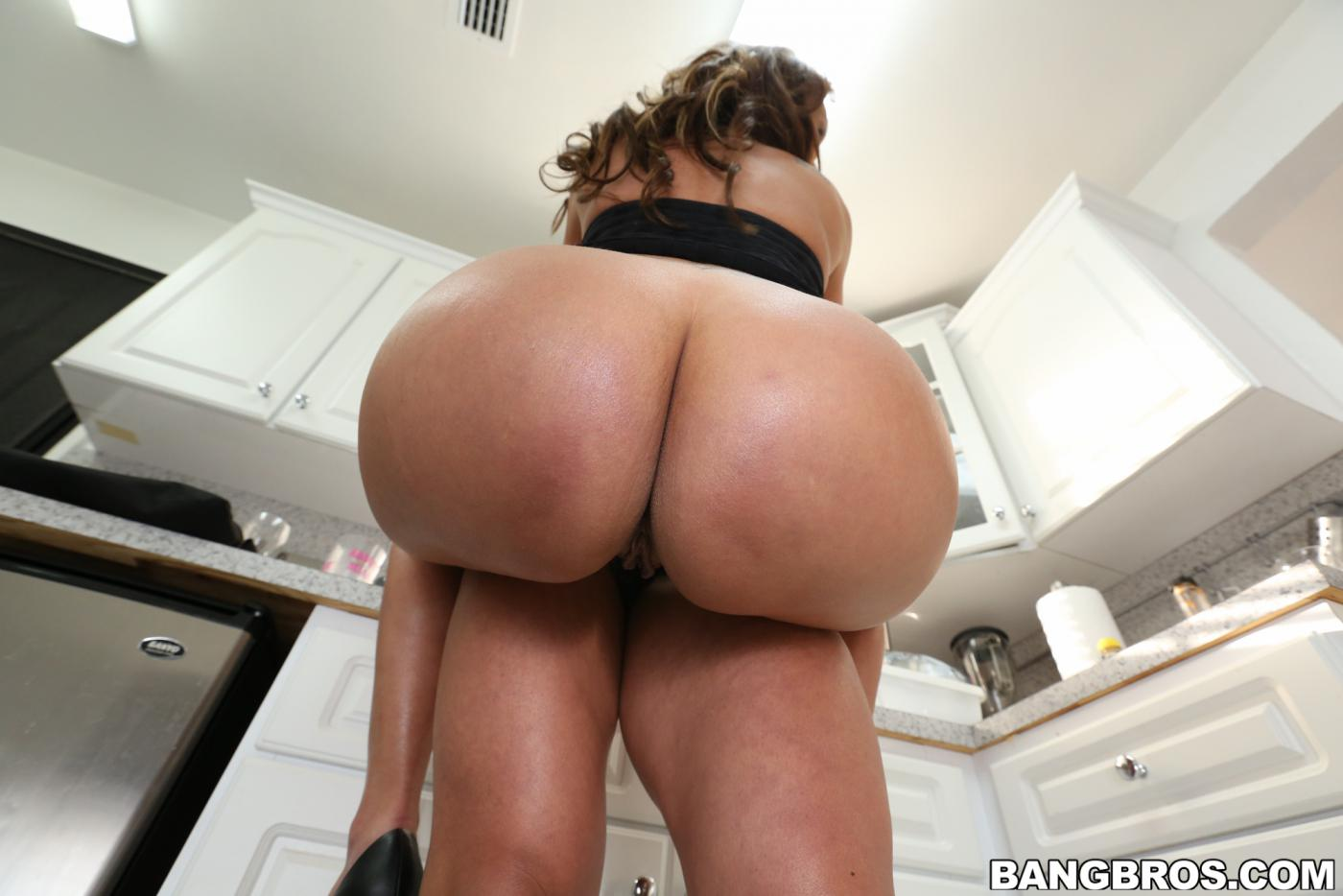 Latina Teen Bubble Butt