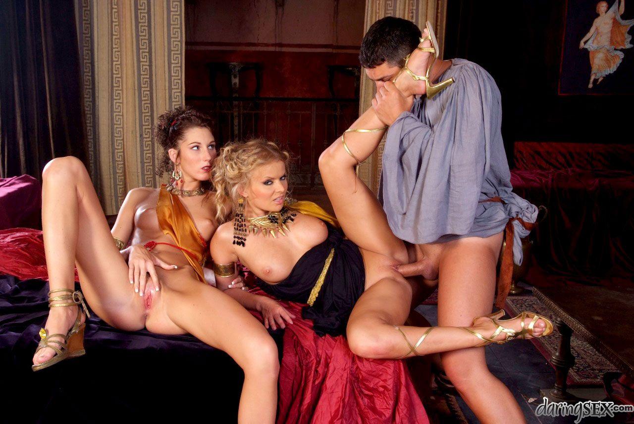 Смотреть онлайн фильм оргии при царском девушка большими сиськами