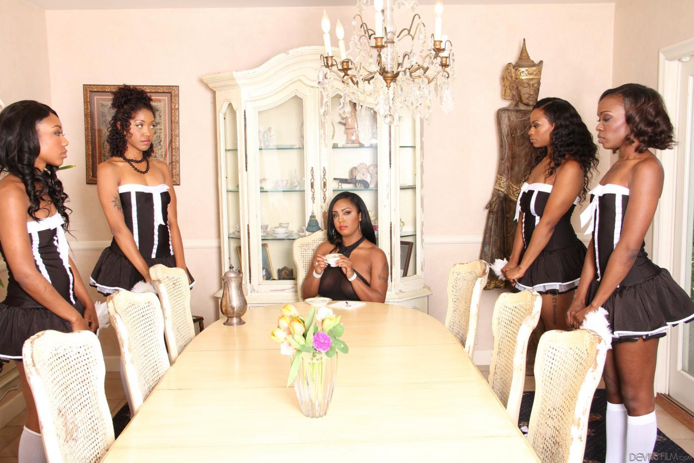 Ebony lesbo Maids