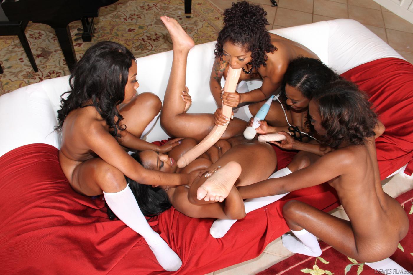 girls-and-black-lesbians-pornography