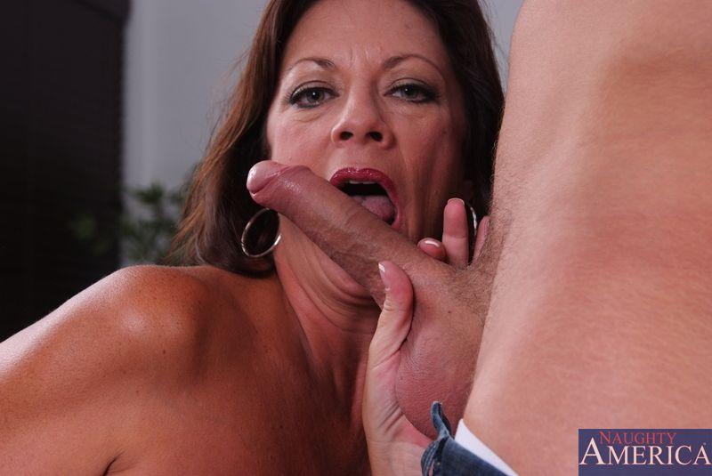 Margo Sullivan Mom Gives Son A Massage