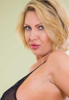 Pornstar Leigh Darby Profile Hot Sex Video Clips Pics Gallery